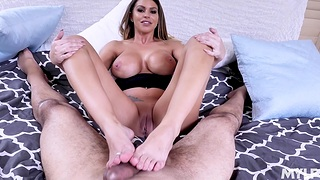 Homemade POV video of broad in the beam butt MILF Brooklyn getting fucked