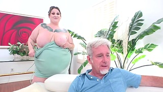 Chubby Bristols for Dinner With BBW Tempting Betty