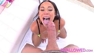 Latina Carmela Clutch drains the dick