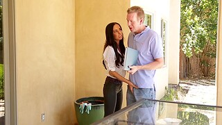 Convenience housewife Brandy Aniston gives a blowjob and rides close to cowgirl