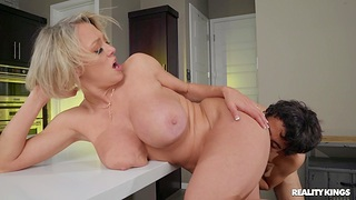 Busty MILF Dee Williams gets cum in mouth inhibition passionate fucking